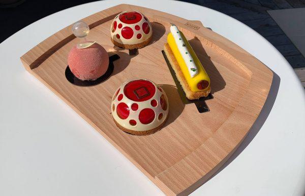 planche à découper plateau dessert